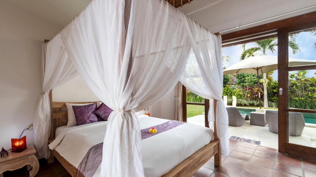 Villa Candi Kecil Tujuh: Bedroom 1