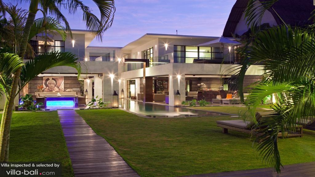 Casa Hannah In Seminyak Bali 5 Bedrooms