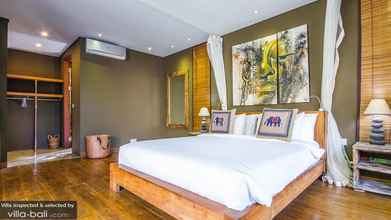 Villa Yoga In Seminyak Bali - 7 Bedrooms