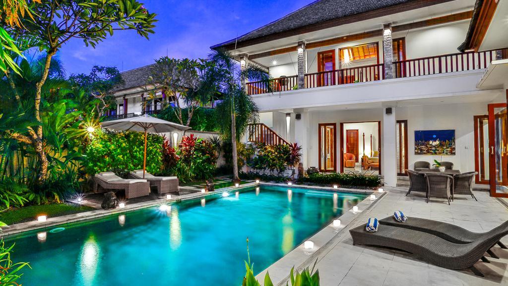 Villa shanti in seminyak bali 4 slaapkamers